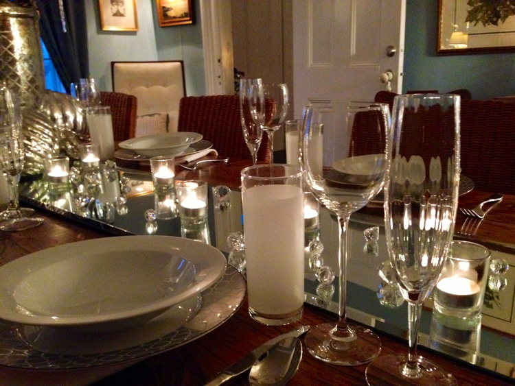 A Beautiful Table and Menu for New Year's Eve