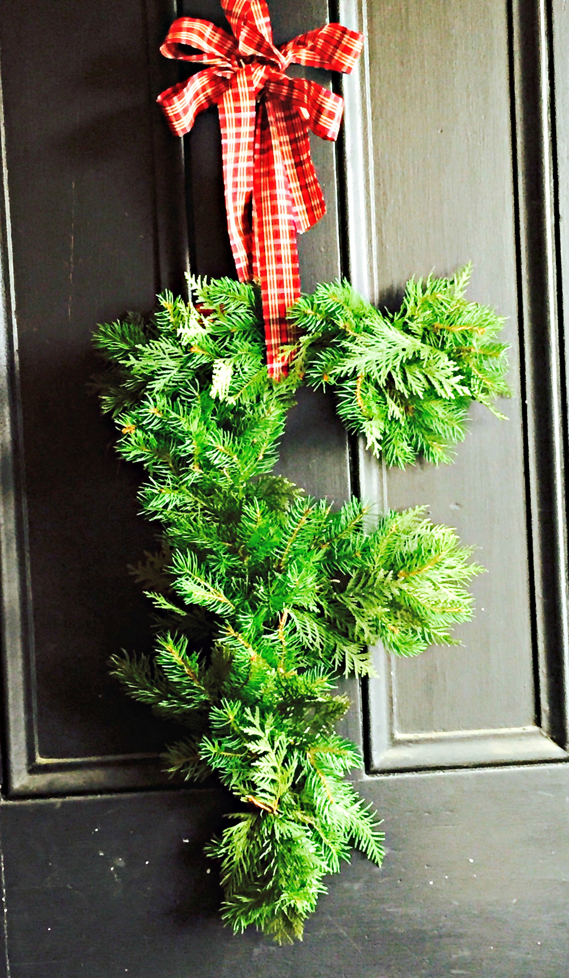 How To Make a Monogram Wreath