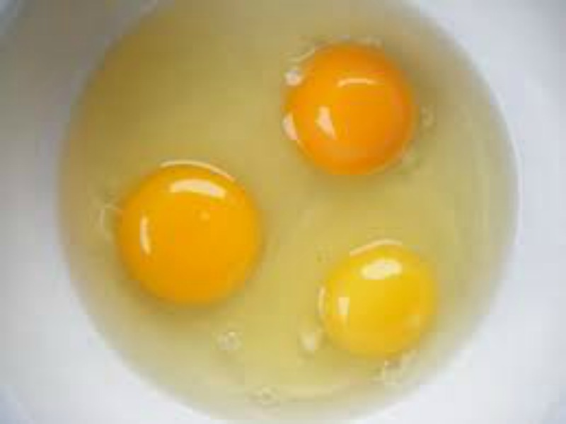 The Genius Way To Separate An Egg – Quick Tip Friday