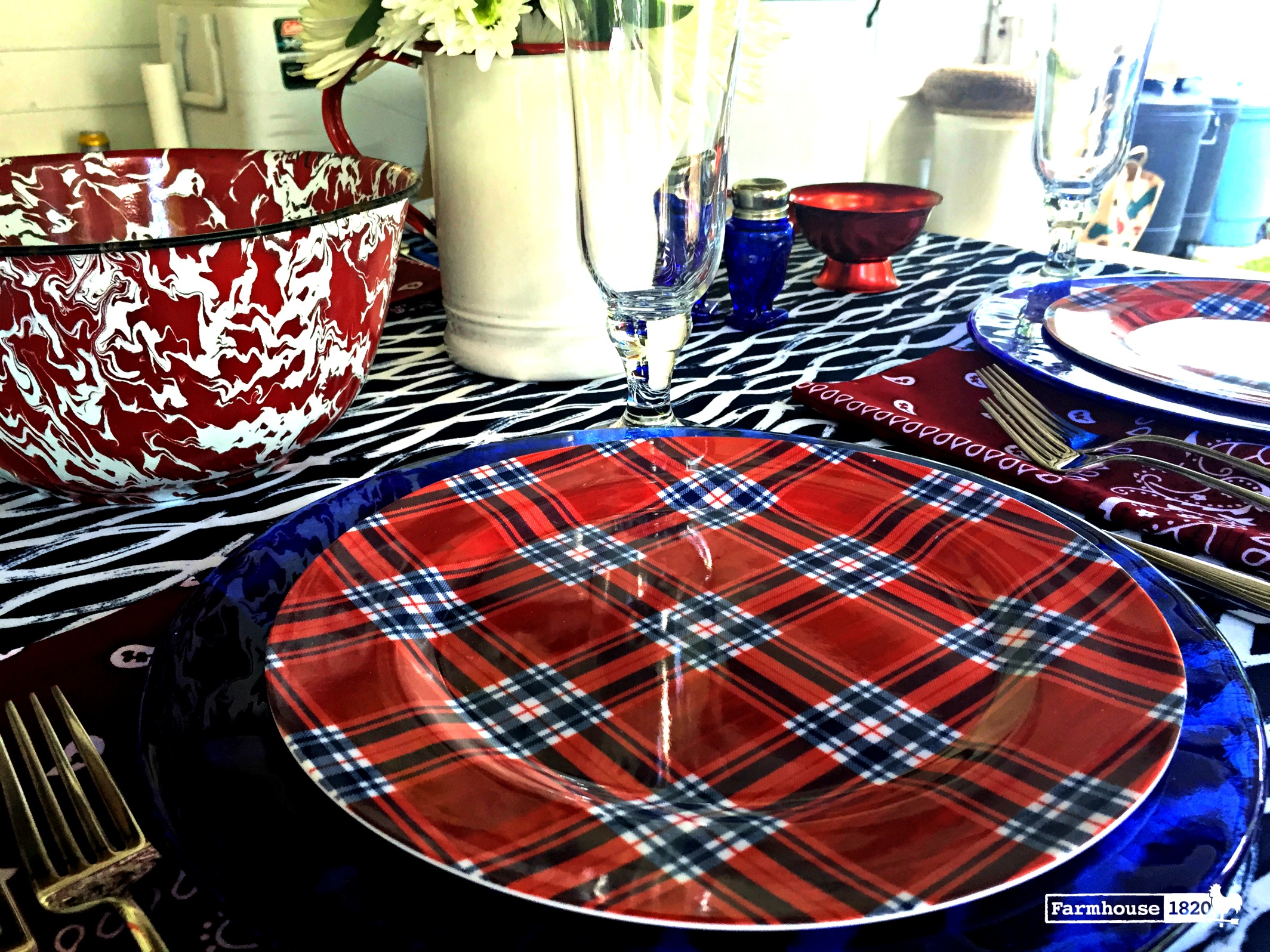 Fourth of July tablesetting