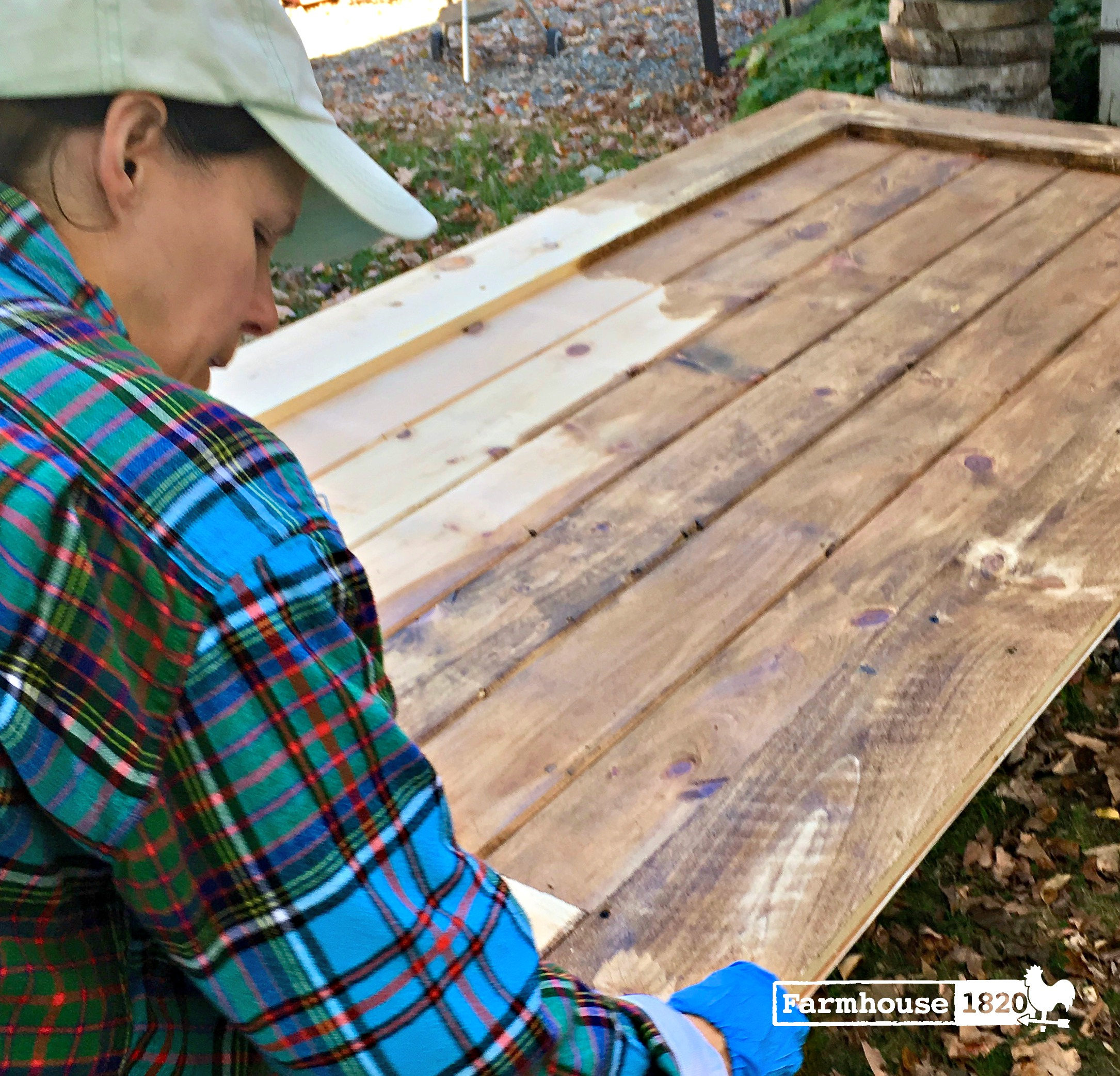 barn door - mixing stain colors to get the right look