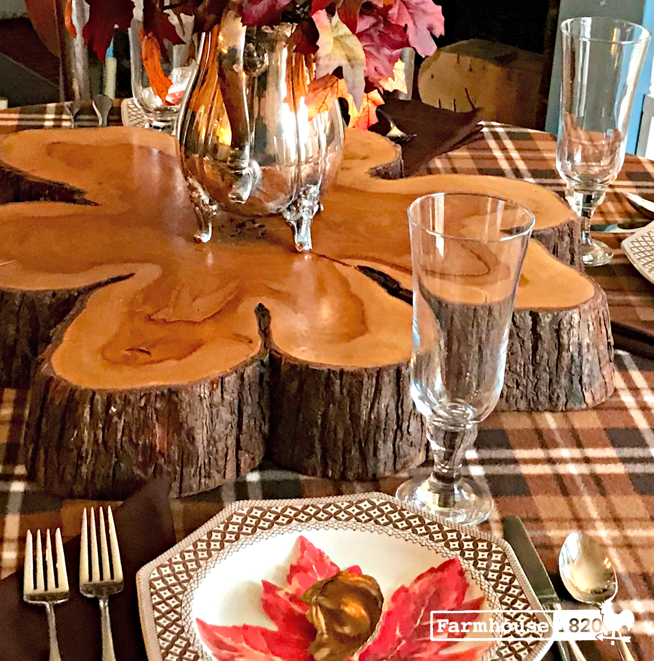 Thanksgiving tablesetting - setting a circular table