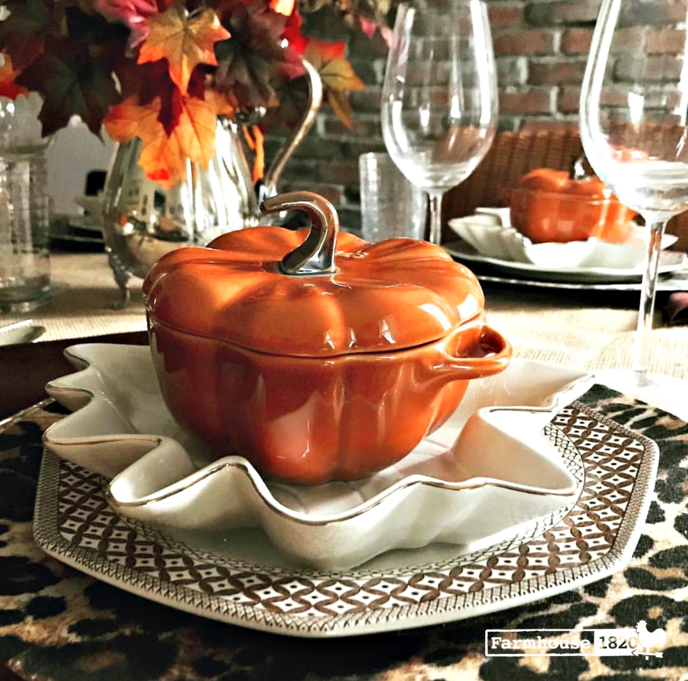 Thanksgiving tablesetting with leopard chargers