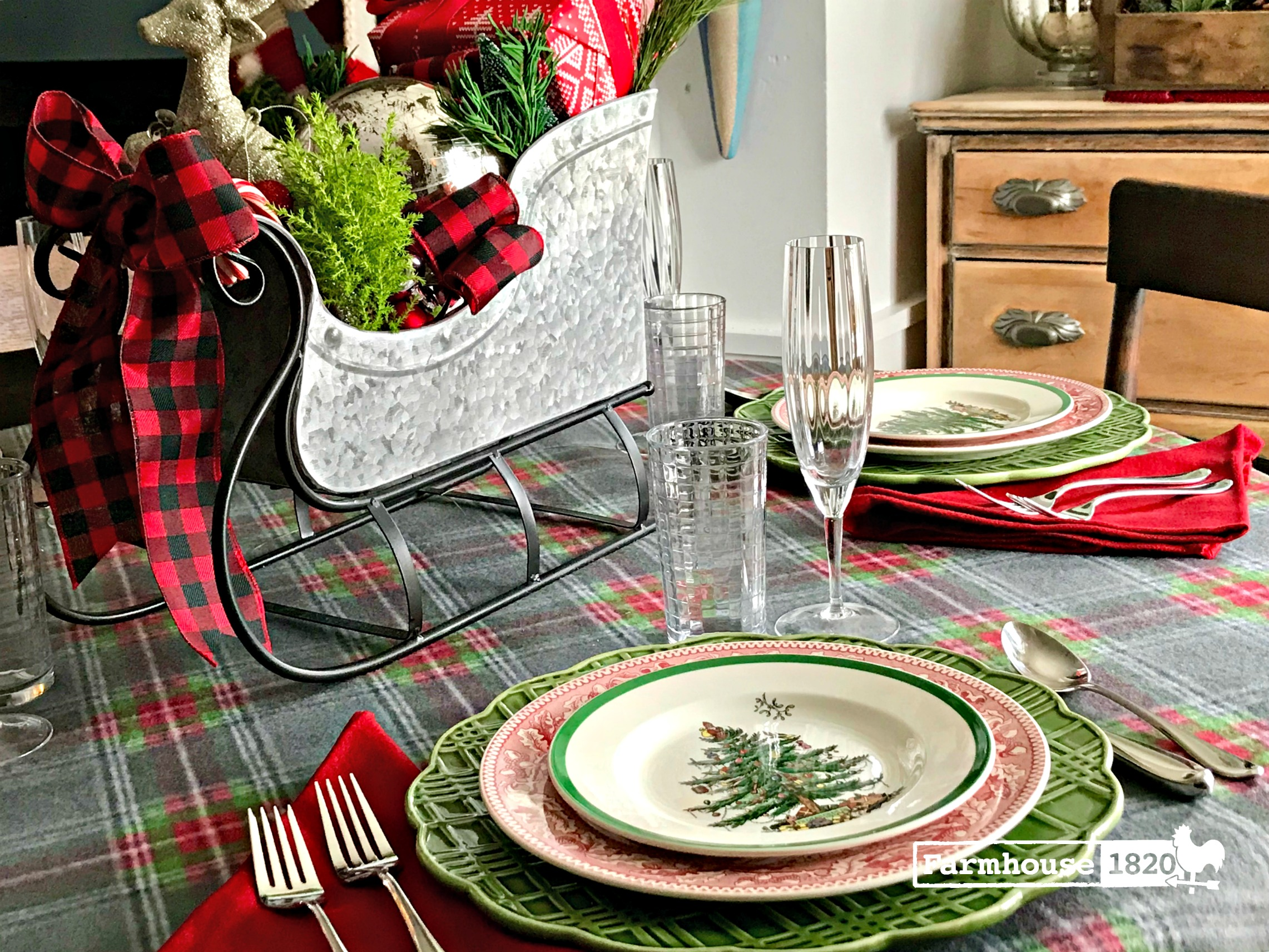 Christmas brunch tablesetting - high class meets casual