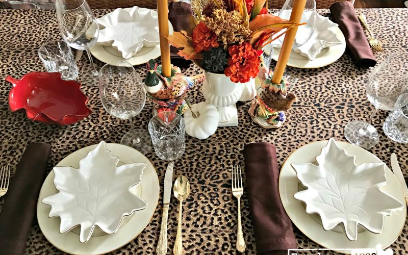 Thanksgiving Tablesettings With A Modern Mix