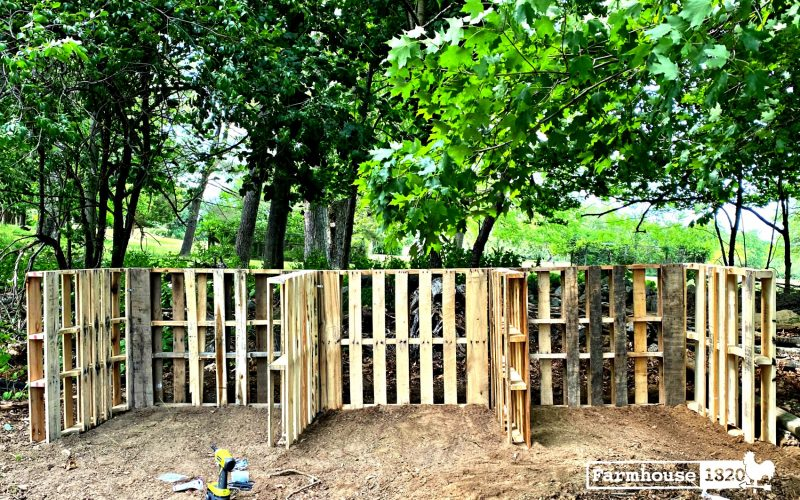 How To Build A Compost Station Using Wood Pallets